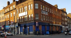 <b> SHOP TO LET - 151 Commercial Rd, London E1 <b>