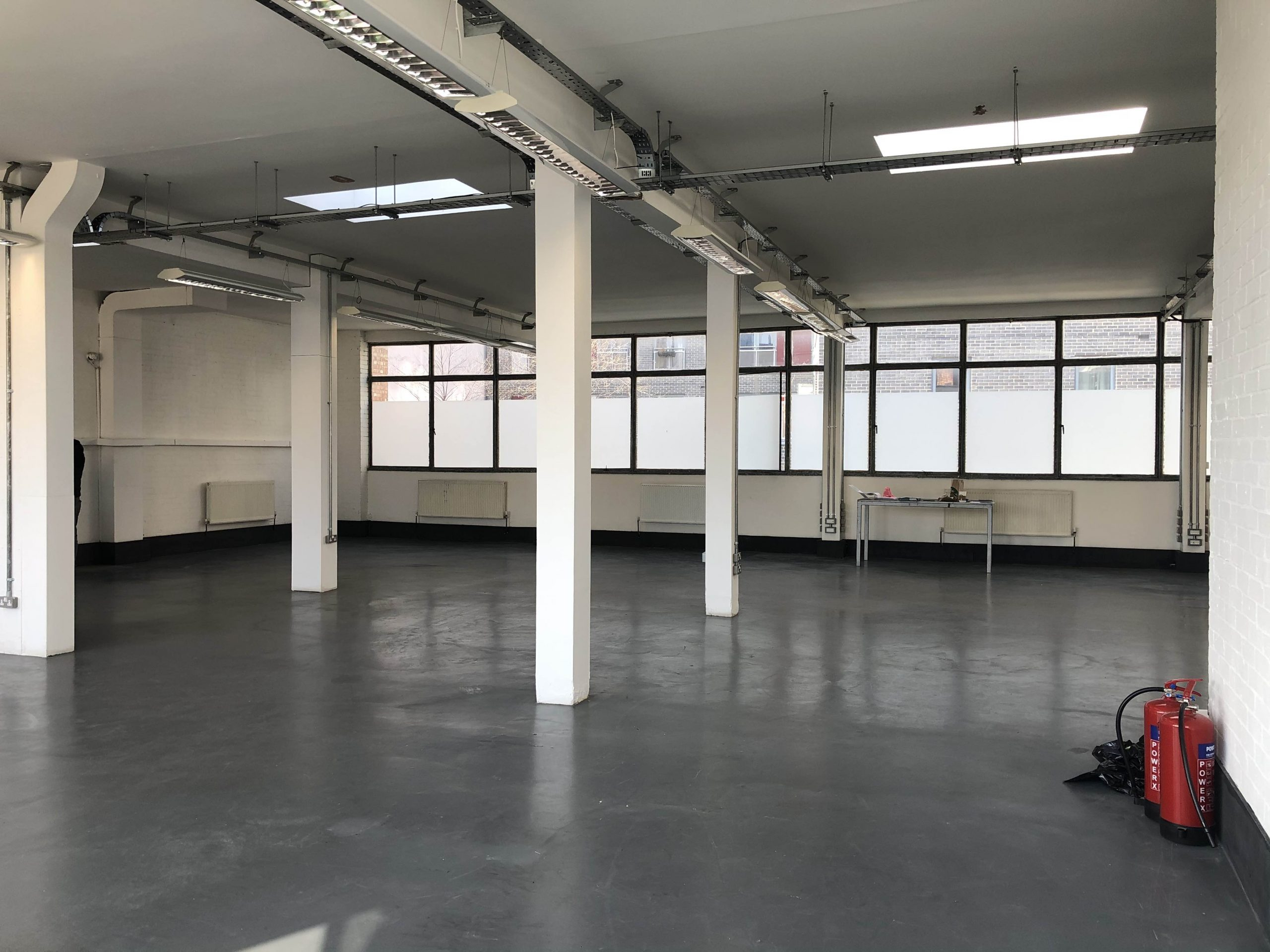 <b> TO LET - Greenfield Road, London E1 <b>